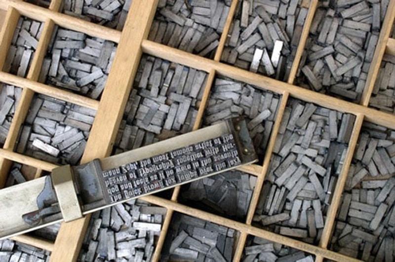 Những bản in chữ Latinh bằng kim loại