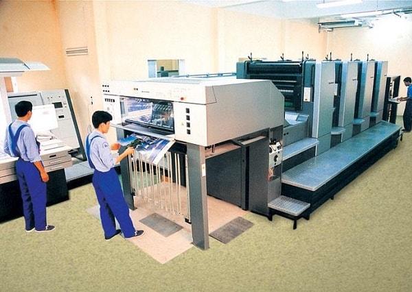 Người ta thường sử dụng công nghệ in offset để in decal vỡ