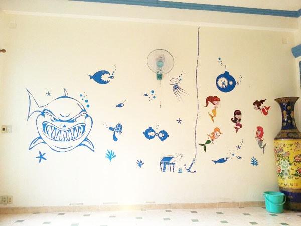 Decal hay sticker dán tường đều có thể dán và gỡ một các dễ dàng