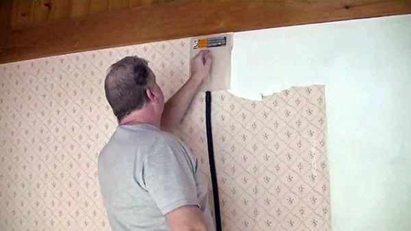Gỡ bỏ decal không làm hỏng tường