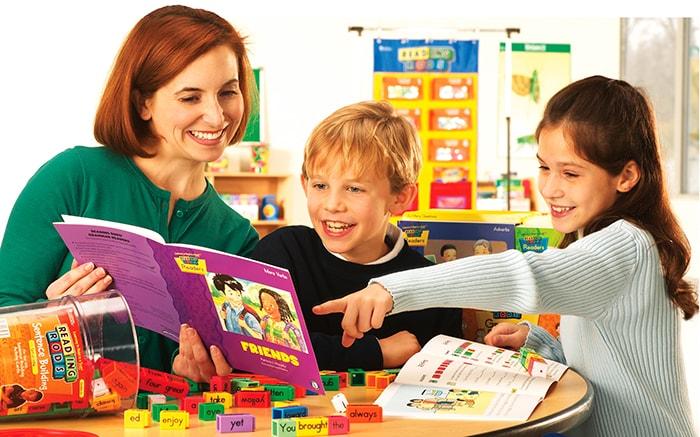 Hãy cố gắng tạo thật nhiều trò chơi cho trẻ thay vì bắt trẻ học thuộc từ, công thức