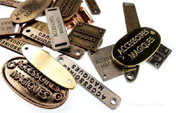 Mác kim loại dành cho những sản phẩm thời trang cao cấp