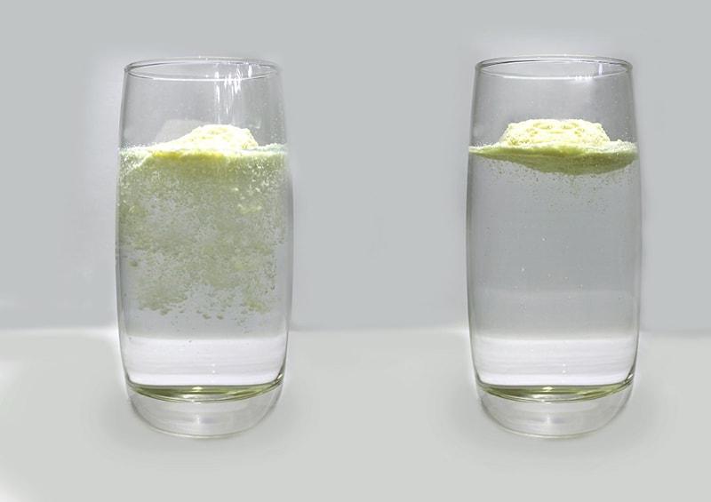 Phân biệt sữa thật - giả bằng nước
