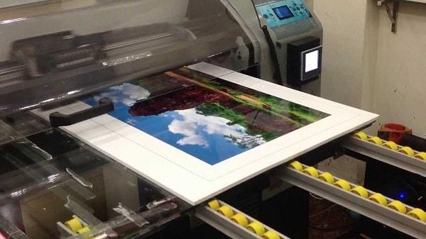 Công nghệ in trên chất liệu mica chất lượng cao
