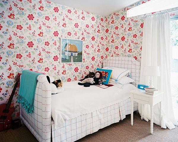 Làm mới căn phòng với ý tưởng độc đáo từ giấy dán tường
